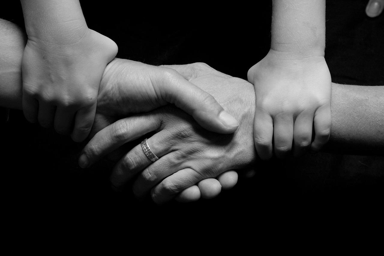 Русские пословицы и поговорки о семье и семейных отношениях — ТОП-30 самых верных