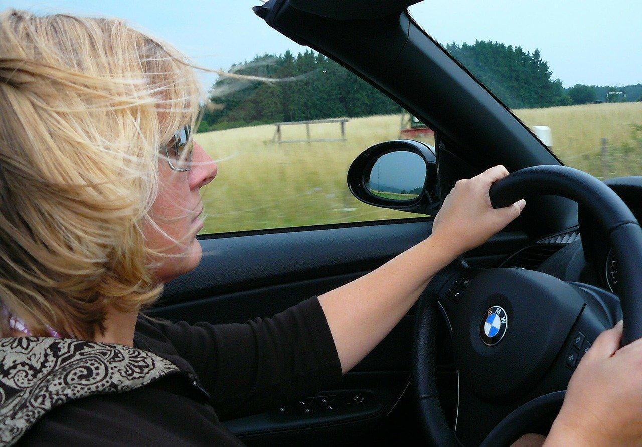 Работа Автоняня — или как заработать женщине-водителю, 7 нюансов заработка
