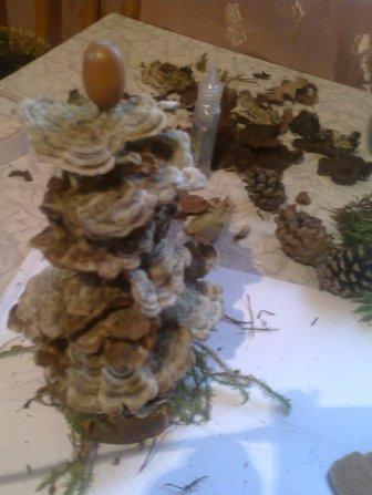 елка из природного материала