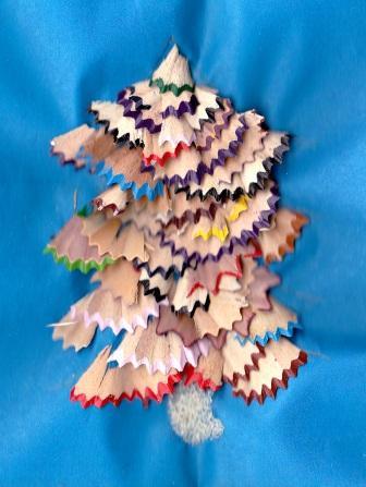 новогодняя елочка своими руками из бросового материала фото
