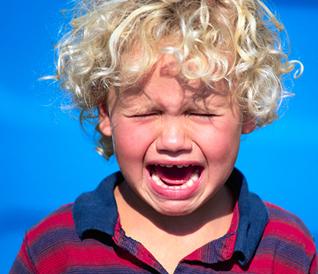 Детские капризы и истерики: как бороться, как реагировать?