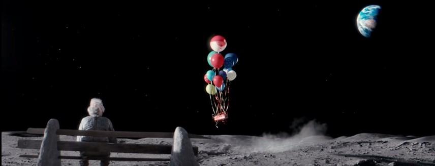 человек на луне рождественский ролик 8