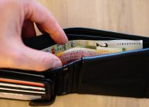 Социальные выплаты - это какие выплаты? 26 видов начислений, попадающих в эту категорию