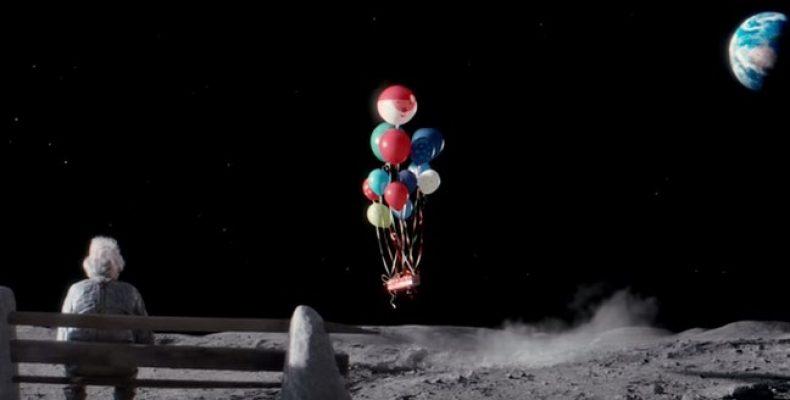 Человек на Луне — ролик к Рождеству и Новому году